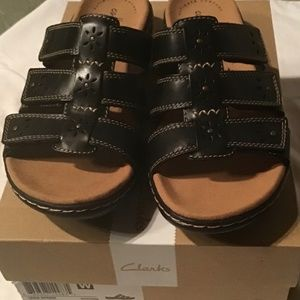 Clarks Leisa Spring Black Leather Sandals